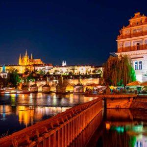 Praga noche free tour praga