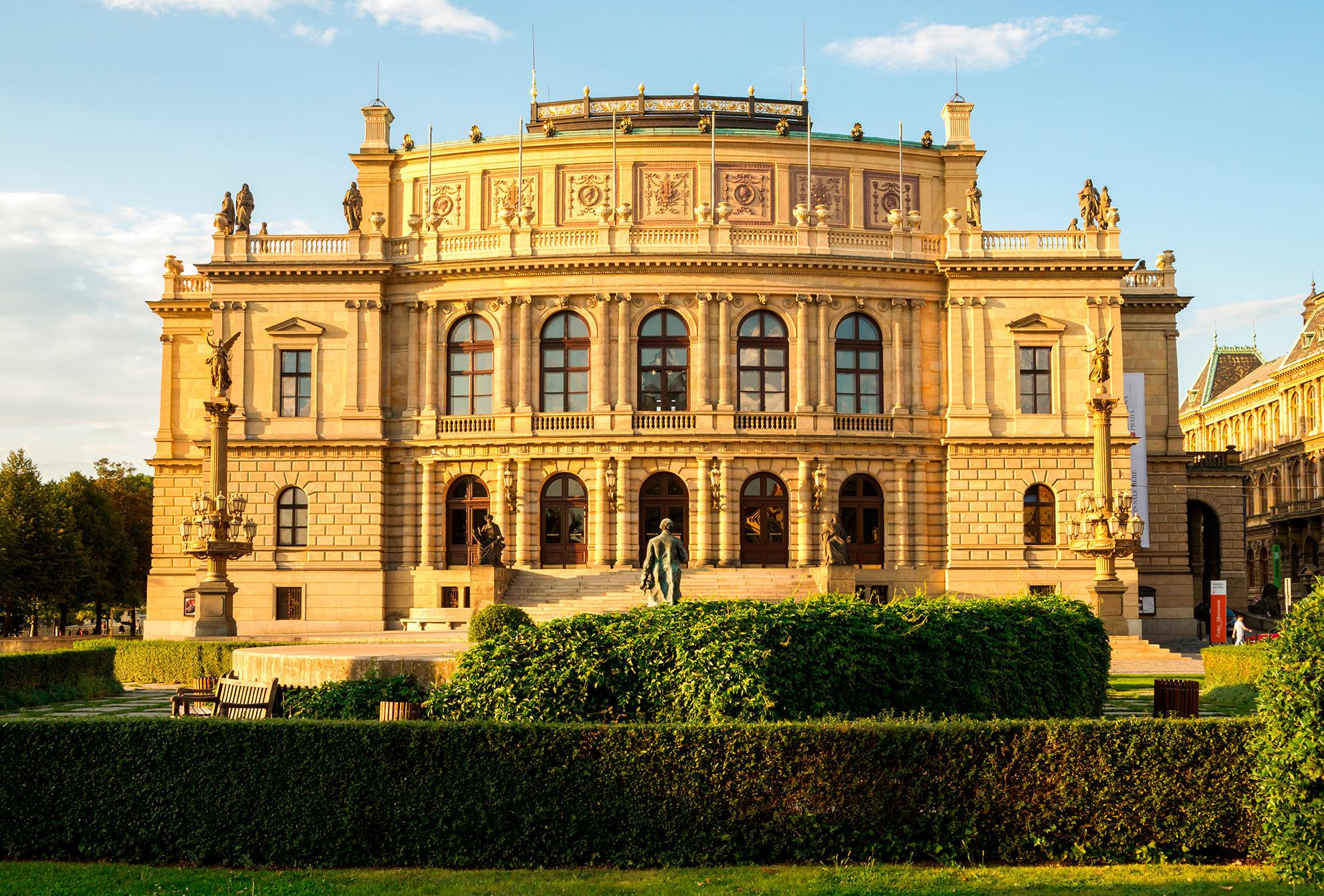 Rudolfinum free tour praga